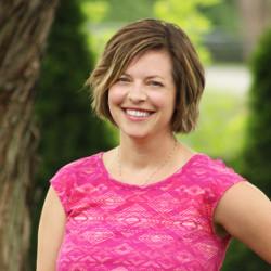 Lindsey Evans – Online Media Consultant
